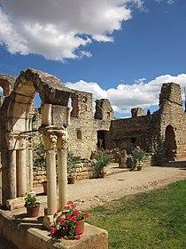 Abbaye de fontcaude.jpg