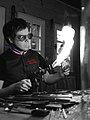 Adrian Colin verrier d'art Meilleur Ouvrier de France portrait.jpg