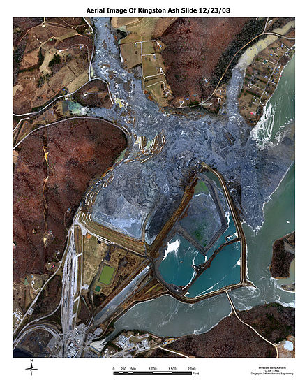 Aerial photograph of the site of the Kingston Fossil Plant coal fly ash slurry spill taken the day after the event Aerial view of ash slide site Dec 23 2008 TVA.gov 123002.jpg