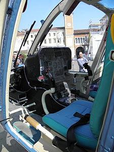 Agusta-Bell AB-206B JetRanger III, cockpit (PS-67) Polizia di Stato, Italy.JPG