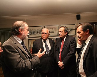 Javier González Fraga - González Fraga in a conversation with (from left) Congressman Ricardo Gil Lavedra, UCR presidential candidate Ricardo Alfonsín, and Miguel Bazze of the Buenos Aires Province UCR during the 2011 elections.