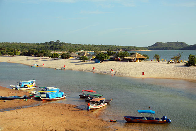 Alter do Chão beach by https://commons.wikimedia.org/wiki/User:Idobi