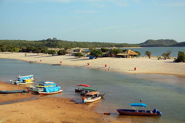 Alter do Chão beach by http://commons.wikimedia.org/wiki/User:Idobi
