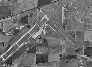 Rick Husband Amarillo International Airport - Image: Amarillo Texas airport satellite photo 1997