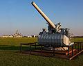 Anti-aircraft gun and USS Alabama (7678852016).jpg
