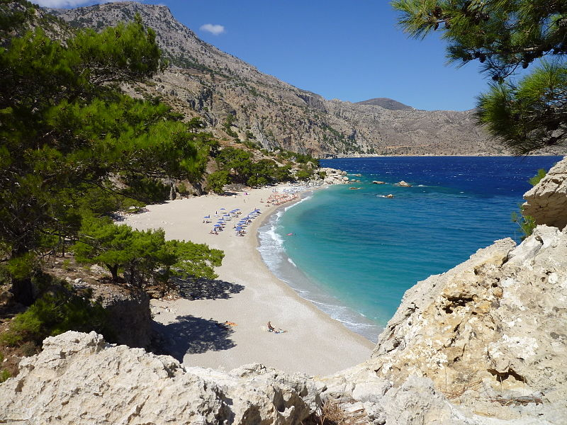 File:Apella-Bucht, Karpathos, Griechenland.JPG