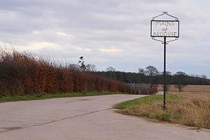 Ardovie - Mains of Ardovie Farm road