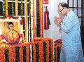 Arun Jaitley paying homage at the portrait of Swatantryaveer Vinayak Damodar Savarkar, on his birth anniversary, at Parliament House, in New Delhi.jpg