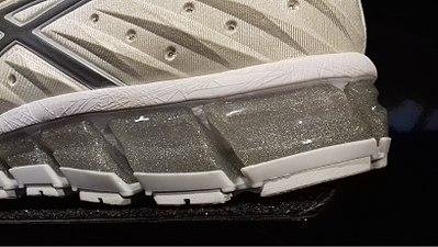 Sur les chaussures de madame - 2 6