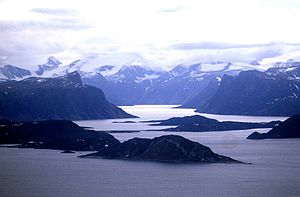 Arctic Cordillera - Image: Auyuittuq NP northern end 1 1997 08 07
