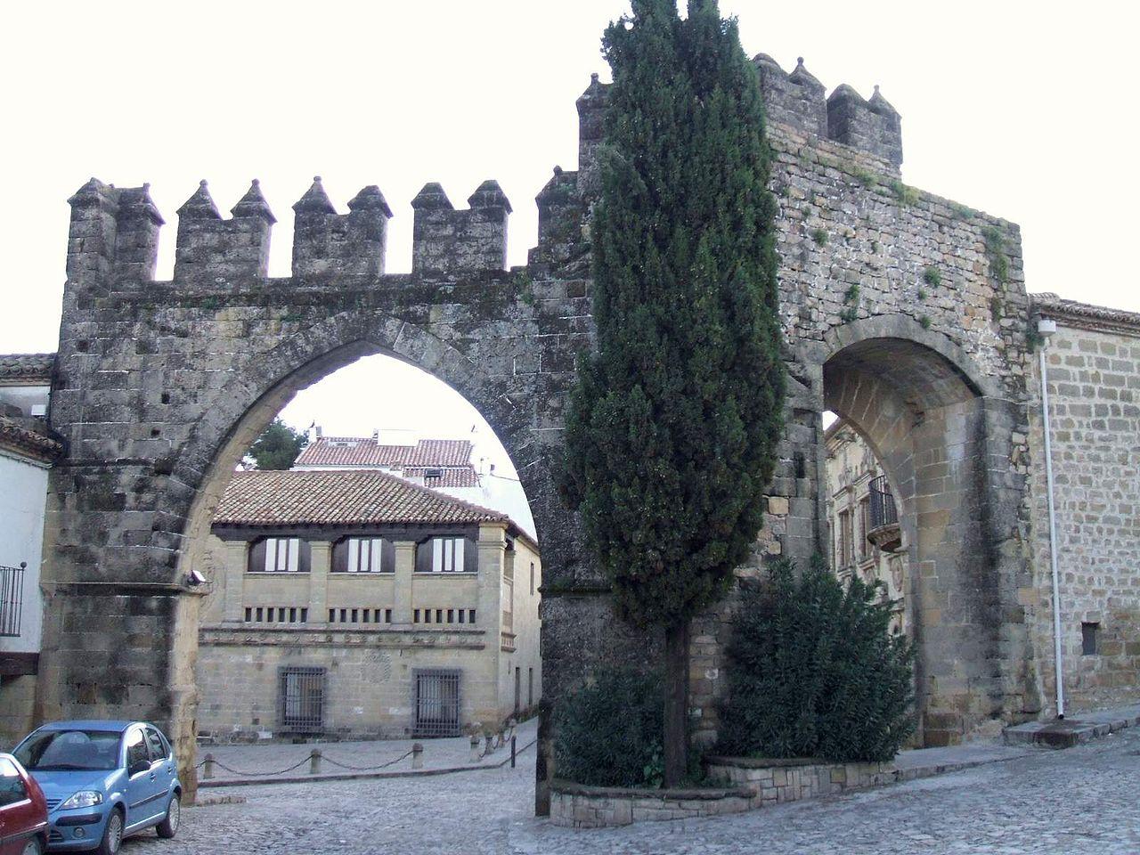 Puerta arco valla jard n il meglio del design degli interni for Arco decorativo jardin