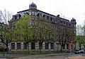 Barbarossaplatz 1 von links.jpg