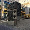 Berlin Alex Monument Bauarbeiter.JPG
