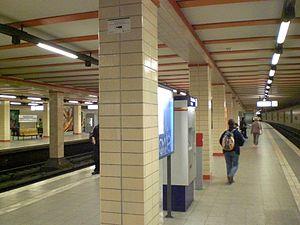 Berlin Nordbahnhof - Platform looking south