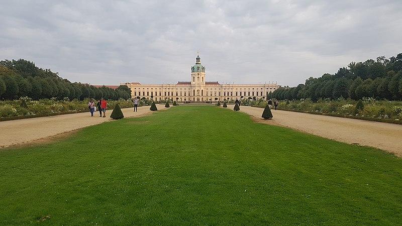 File:Berlin Palace.jpg