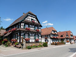 Betschdorf-Maisons à colombages.jpg