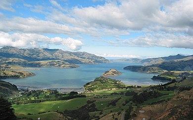 390px-Bucht_in_Neuseeland.jpg