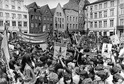 Bundesarchiv Bild 183-1982-0529-012, Schwerin, Pfingsttreffen der Jugend