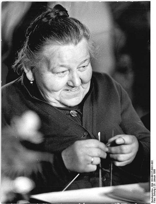 Bundesarchiv Bild 183-E0127-0091-003, LPG Schenkenberg, Mitglied der LPG