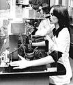 Bundesarchiv Bild 183-S0321-0023, Neuhaus, ungarische Gastarbeiterin.jpg
