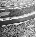 Bundesarchiv Bild 195-2270, Rheinbefliegung, Istein.jpg