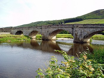English: Burnsall Bridge, Wharfedale, Yorkshir...