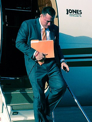 Butch Jones - Image: Butch Jones exiting plane (cropped)
