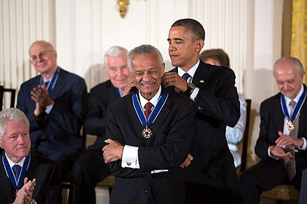 Vivian receiving the Presidential Medal of Freedom