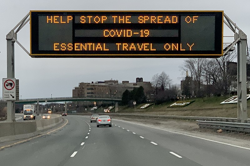 COVID-19 highway sign in Toronto, March 2020 (cropped).jpg