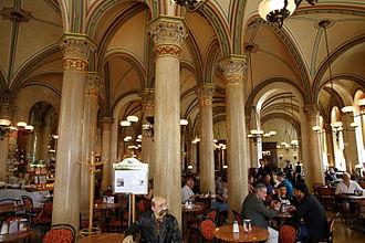 Café Central - Image: Cafe Central in Vienna interior near entrance