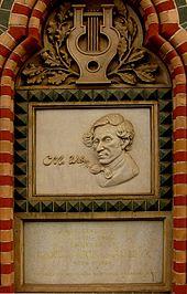 Gedenktafel für Carl Maria von Weber an der Fassade eines Hauses in Breslau (Quelle: Wikimedia)