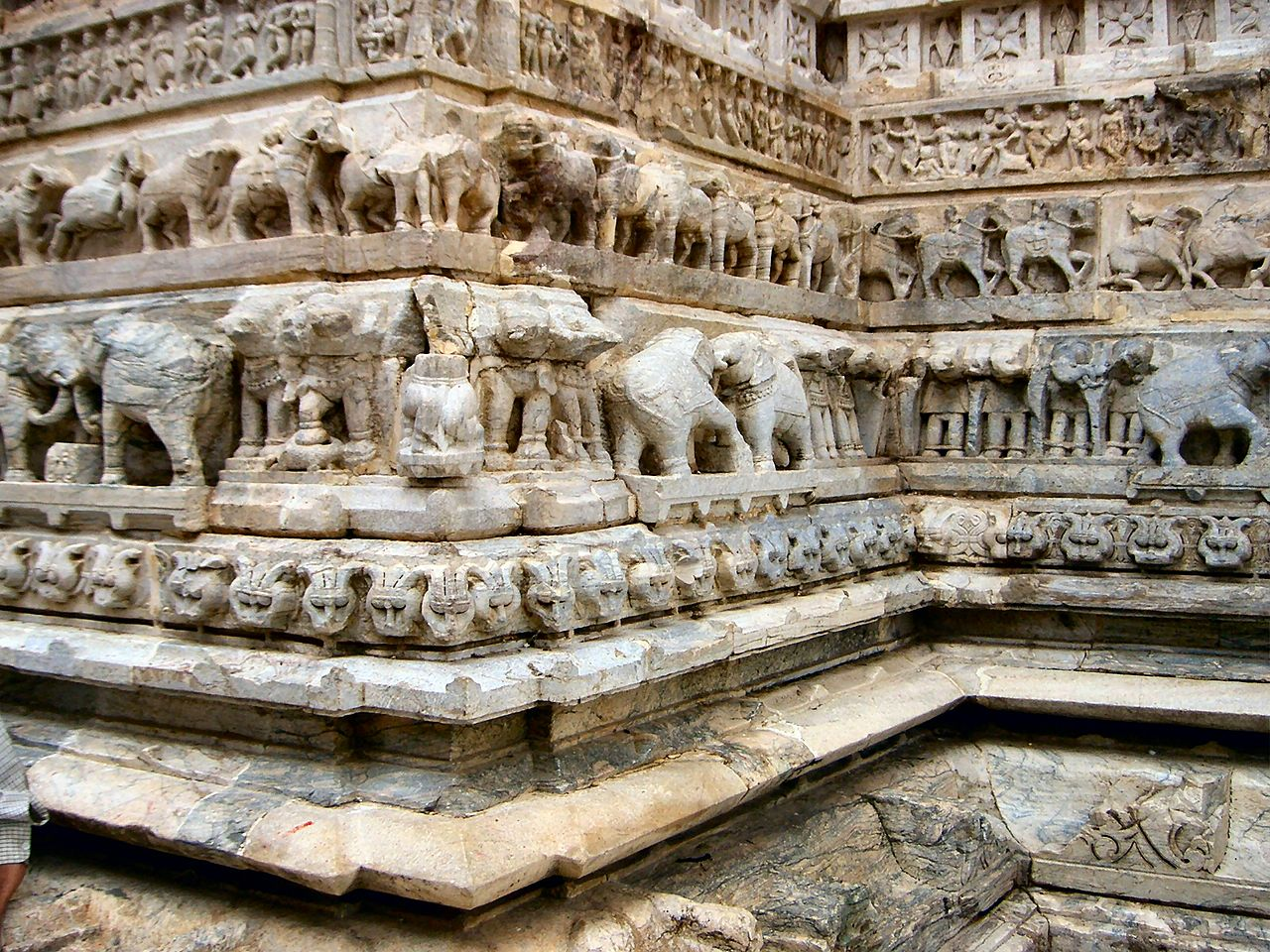 File carved elephants on the walls of jagdish mandir g