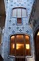 Casa Batllo Main Stairwell (5840048024).jpg