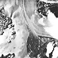 Casement Glacier, valley glacier with medial moraine, August 22, 1965 (GLACIERS 5284).jpg