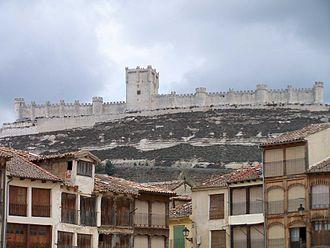 Peñafiel Castle - Peñafiel Castle on the hill.