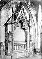 Cathédrale - Cloître, détail d'une galerie - tombeau - Bayonne - Médiathèque de l'architecture et du patrimoine - APMH00000276.jpg