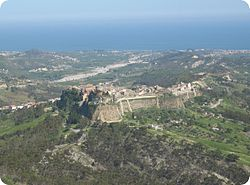 Caulonia Superiore is built on a steep hill further inland while Caulonia Marina lies on the coast.