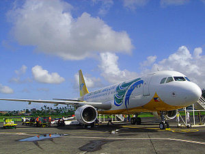 English: Cebu Pacific Airbus A320-200 at Legaz...