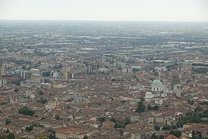 ,.-~*'¨¯¨'*·~-.¸-(بريشا ) _)-,.-~*'¨¯¨'*·~-.¸ 300px-Centro_di_Brescia