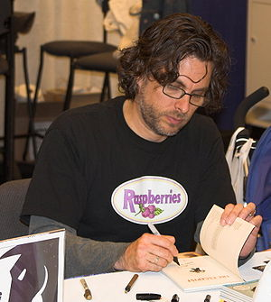 Photograph of author Michael Chabon at a book ...