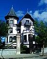 Chalet de San Martin. Entrada y Fachada Principal. Paseo Menendez Pelayo nº 13. 39700 Castro Urdiales. Cantabria. España.jpg