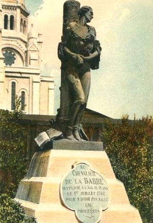 François-Jean de la Barre - First statue of the Chevalier de la Barre at the gates of the Sacré-Cœur de Montmartre