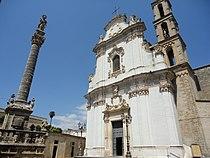 Chiesa e colonna Sant'Andrea di Presicce.jpg