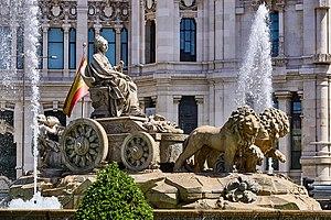 Plaza de Cibeles - Image: Cibeles fountain naknaknak