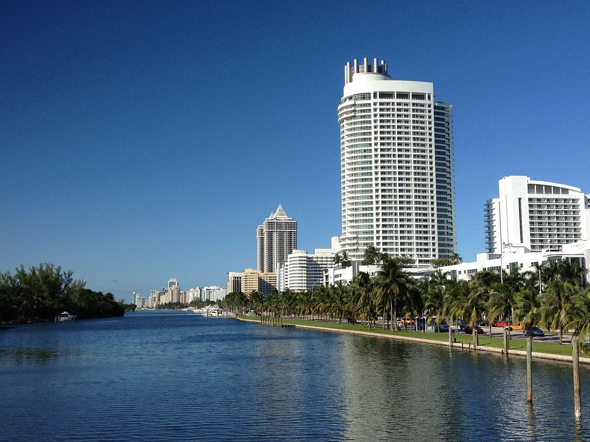 Hotels In Miami Beach >> Collins Waterfront Architectural District - Wikipedia