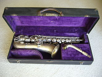 C melody saxophone - A straight-necked Conn C melody saxophone (New Wonder Series 1) with a serial number which dates manufacture to 1922
