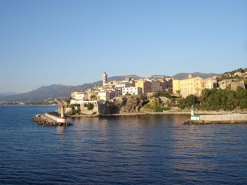 File corse 04517 bastia entr e vieux wikimedia - Vieux port bastia ...