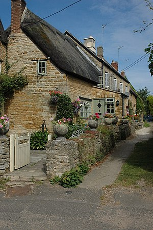 Kingham - A row of cottages in the village