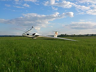 Glaser-Dirks DG-200 glider
