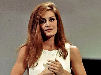 """Canzonissima - Dalida in finals sing """"Dan dan dan"""", the song that reflects her recent child loss."""